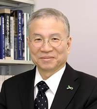 Shunei Kyo, President of the Center