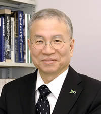 Shunei Kyo, President of the Center